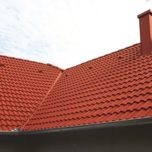 Strecha s betónovou škridlou Terran Synus červená