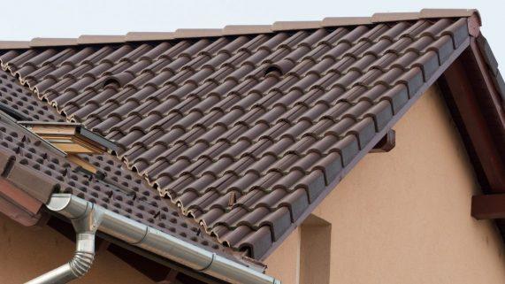 Strecha s betónovou strešnou krytinou Terran Danubia EVO Mocca