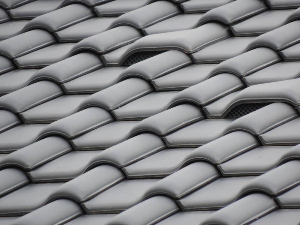 Keramická strešná krytina Röben monza plus antracitová engoba - realizácia strechy detail