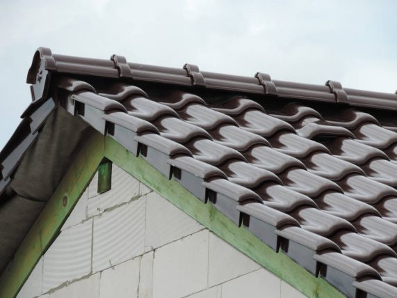 Keramická strešná krytina Röben monza plus maduro - realizácia strechy detail