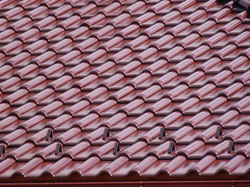Keramická strešná krytina Röben monza plustrentino glazúra - realizácia strechy - detail