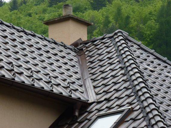 Keramická strešná krytina Röben piemont jesenný list - realizácia strechy detail