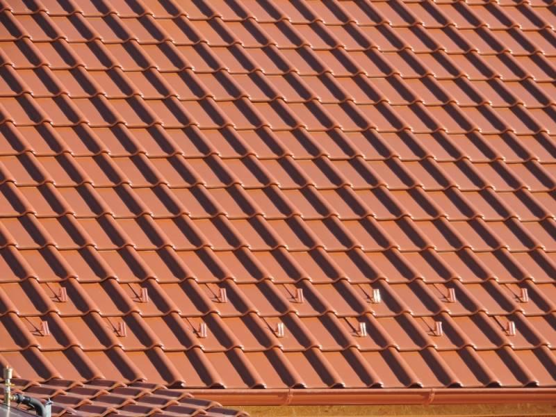Keramická strešná krytina Röben piemont medená - realizácia strechy detail