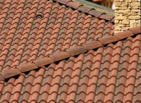 Betónová škridla Terran Coppo antická červená - realizácia strechy detail