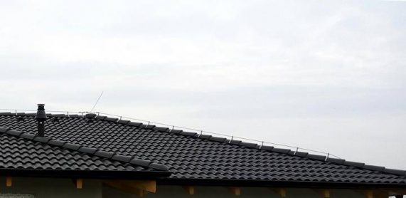 Strecha s betónovou škridlou Terran Synus Evo carbon
