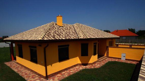 Dom so strešnou krytinou Terran Coppo Modena