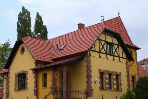 Realizácia strechy so strešnou krytinou Terran Rundo INOVA Tehlovočervená